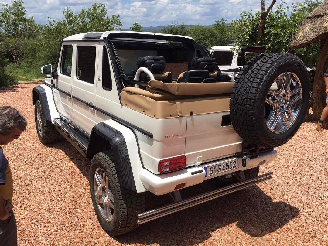 Video mercedes maybach g650 4x4 landaulet leaked in for Mercedes benz maybach g650