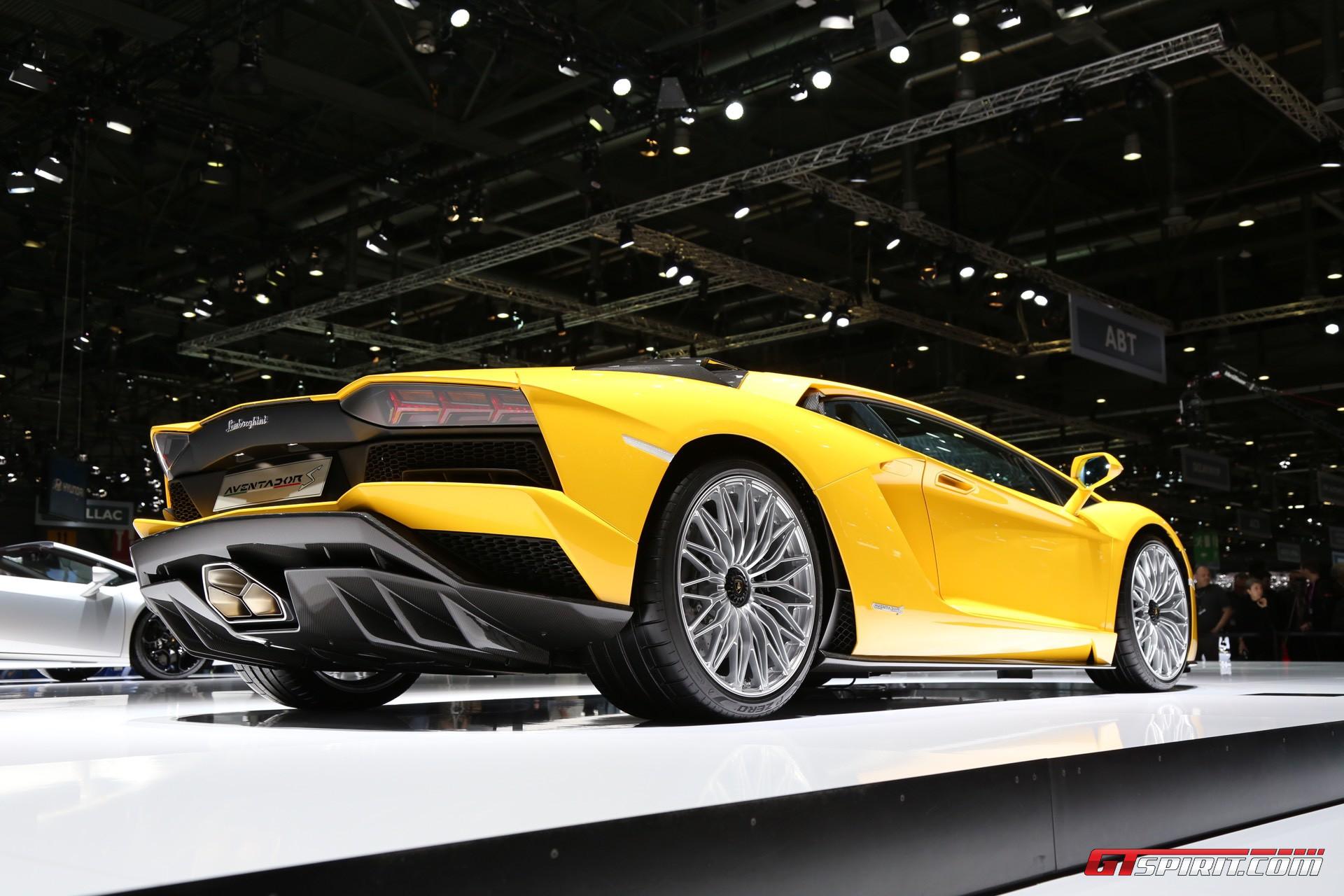 Lamborghini Aventador S at Geneva 2017