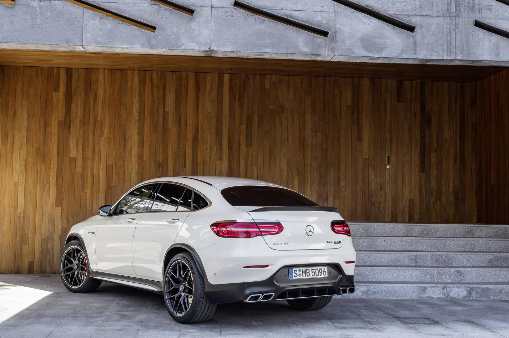 To Further Improve Traction And Handling The Glc 63 Comes Equipped With A Mechanical Rear Axle Limited Slip Diffeial S Model Will Come