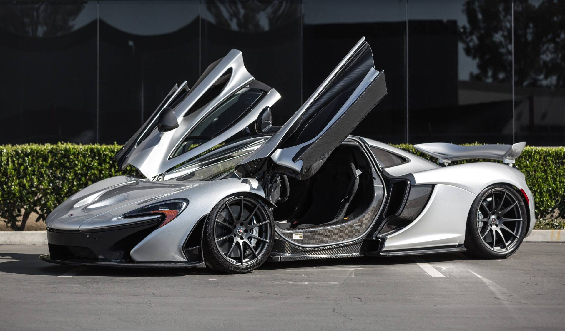 Lamborghini Veneno For Sale >> Supernova Silver McLaren P1 for Sale in the US at ...