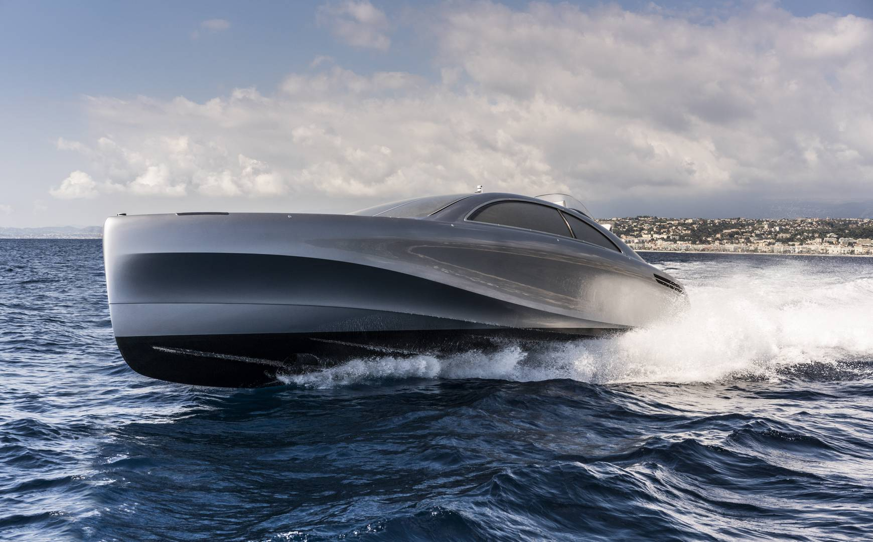Silver Arrow 460 GranTurismo Yacht by Mercedes-Benz Style