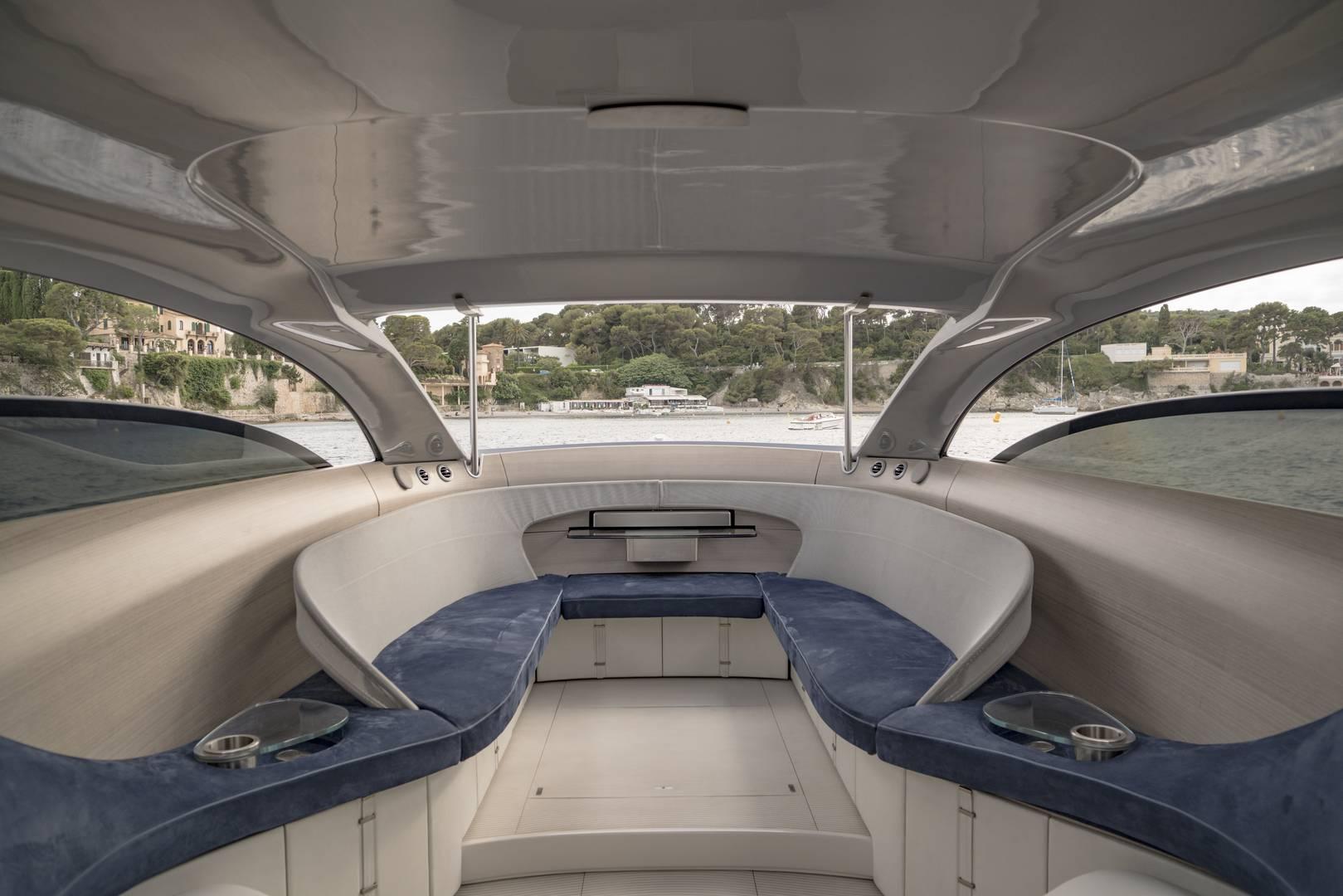 Silver Arrow 460 GranTurismo Interior