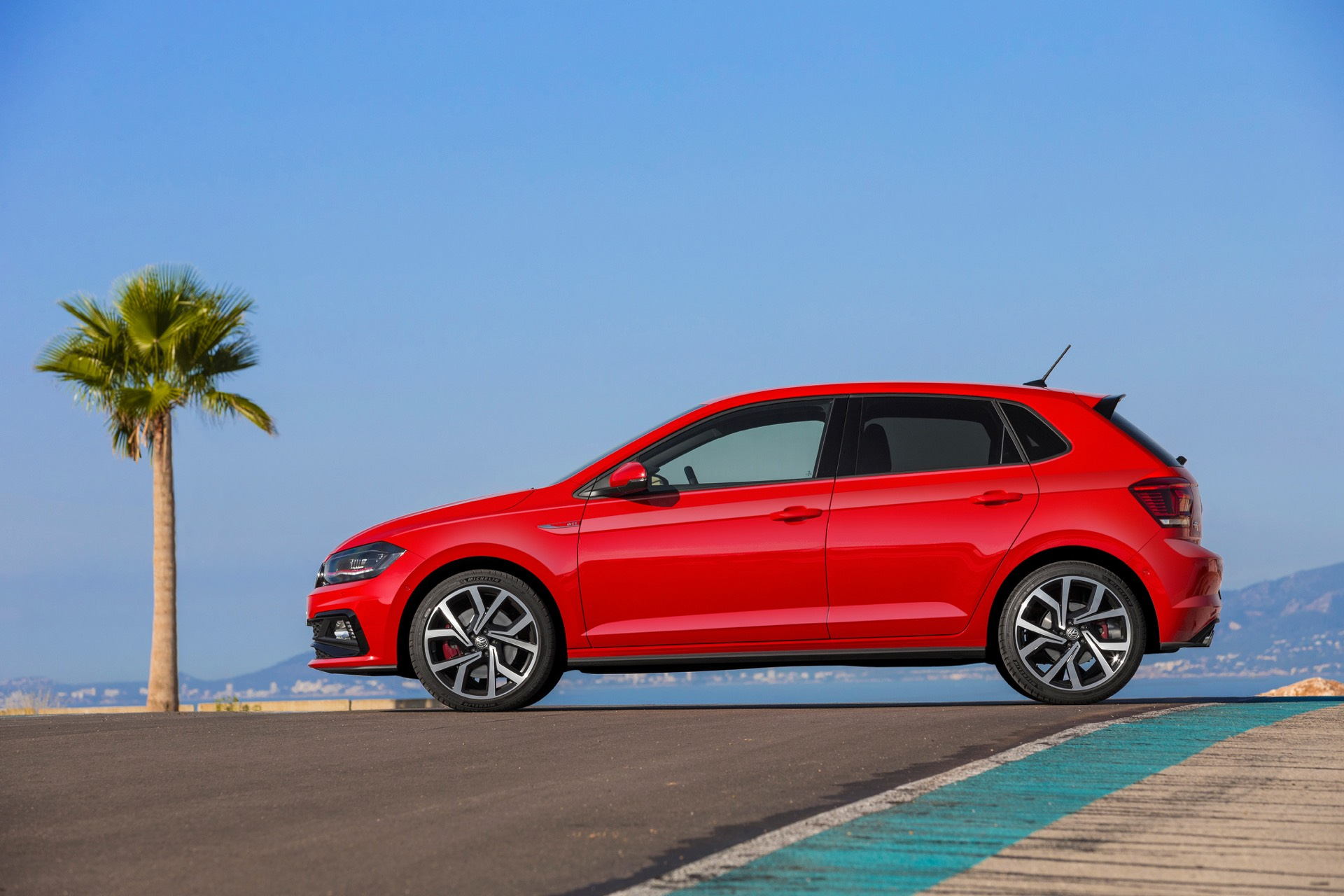 2018 Volkswagen Polo GTI Review