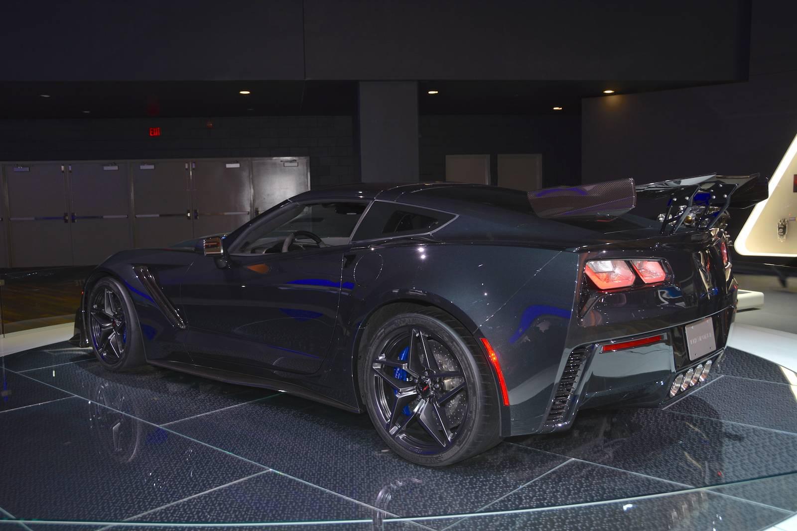 Kekurangan Corvette Zr1 2018 Perbandingan Harga