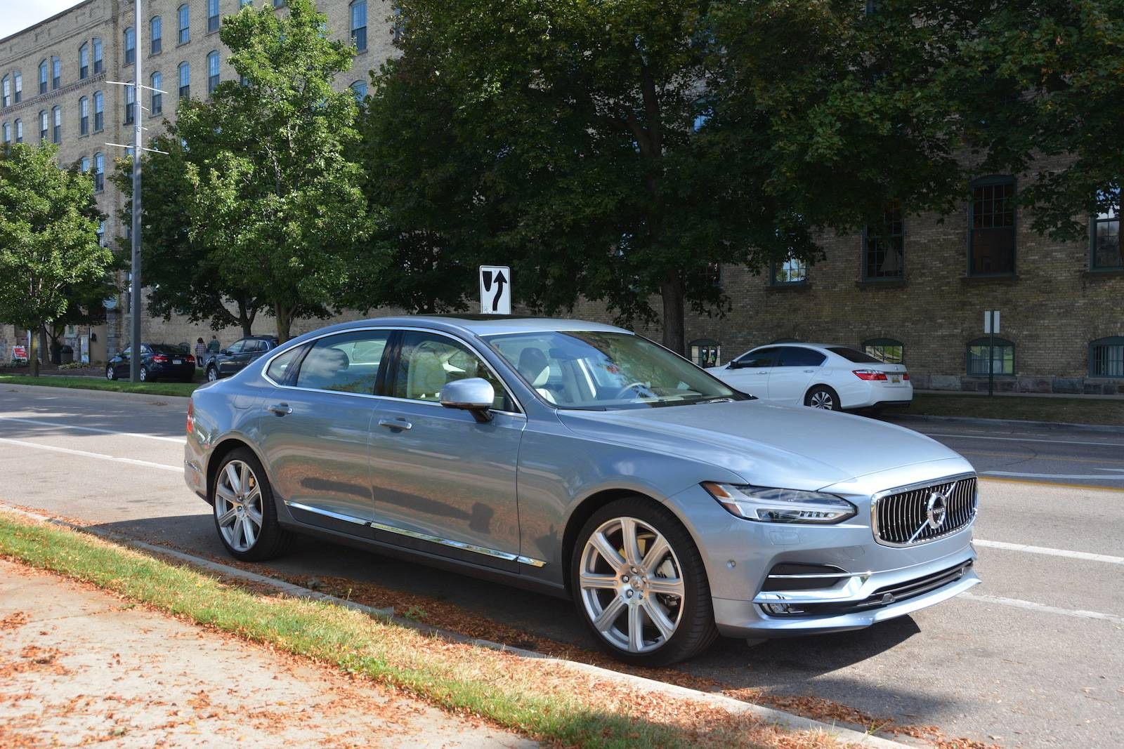 2018 Volvo S90 T6 Awd Inscription Review