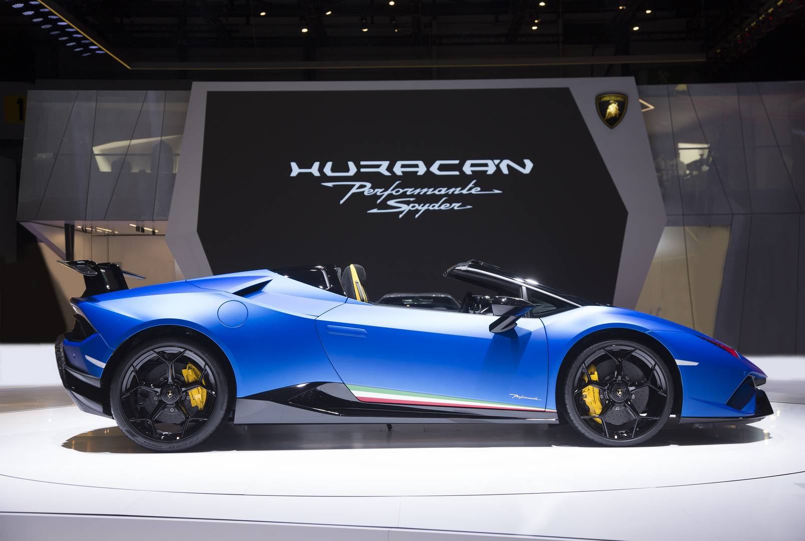 Official 2019 Lamborghini Huracan Performante Spyder Gtspirit