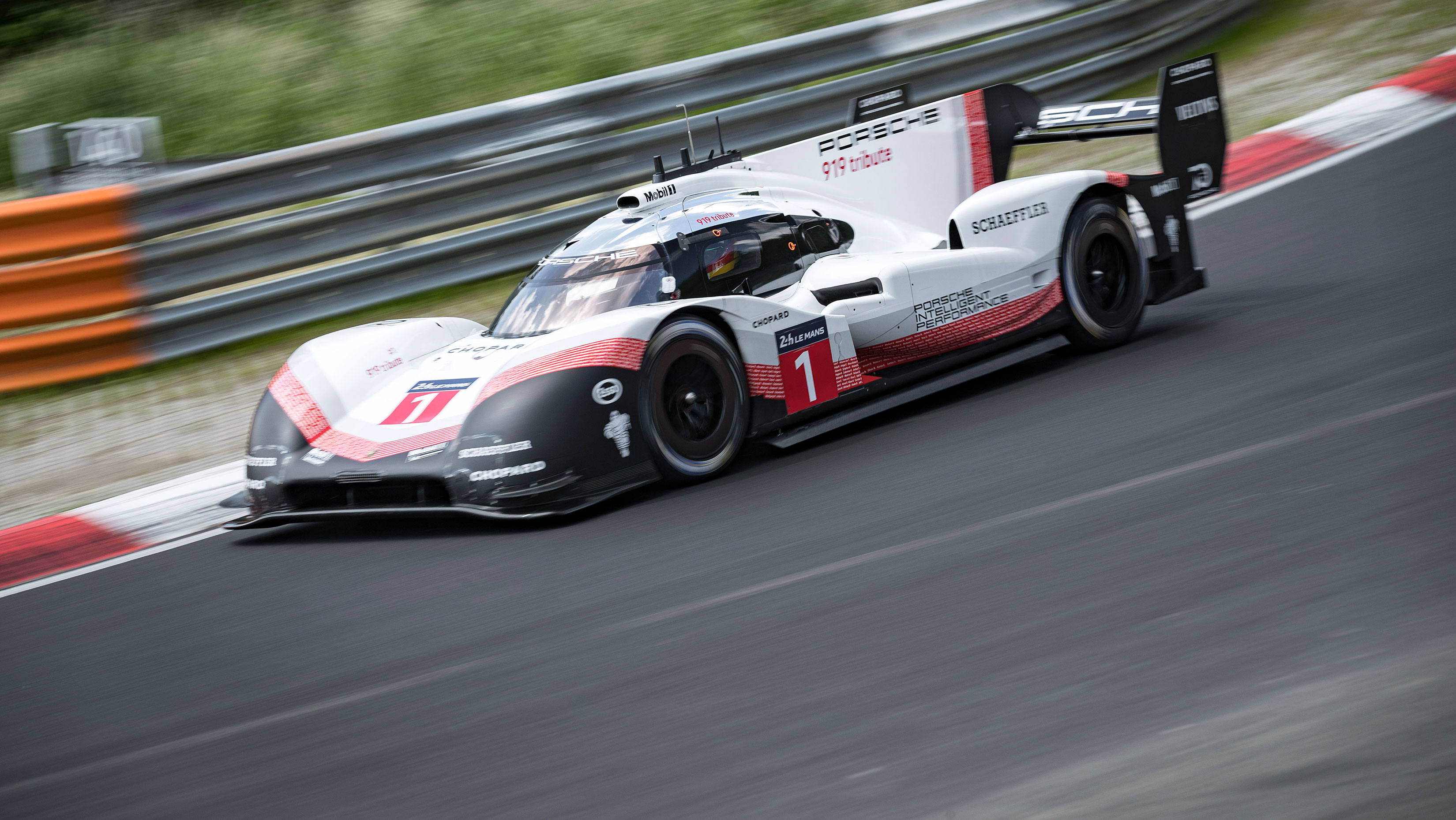 Porsche Does It Again Overall Nurburgring Record 5 19 55 Mins
