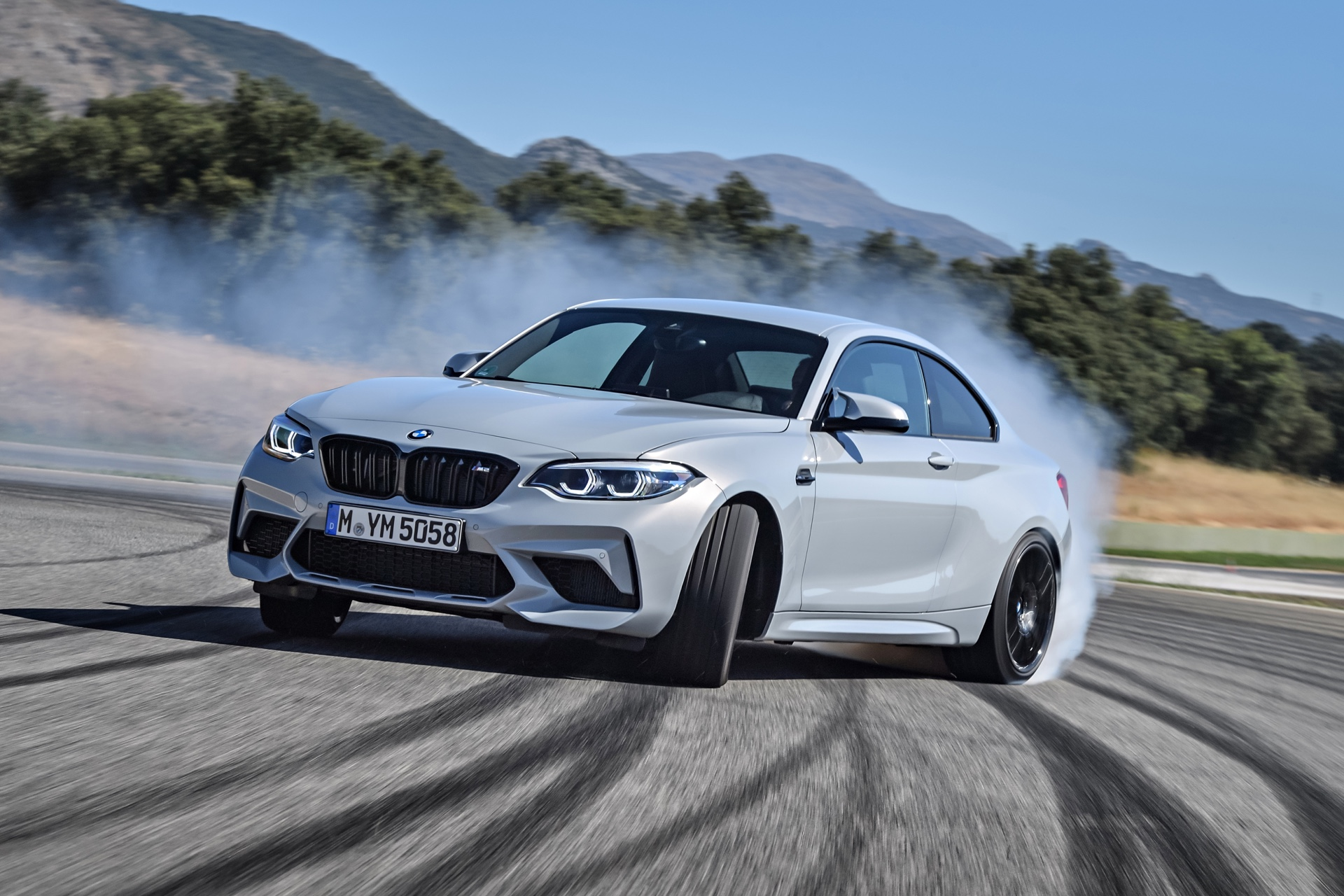 BMW-M2-Competition-6.jpg