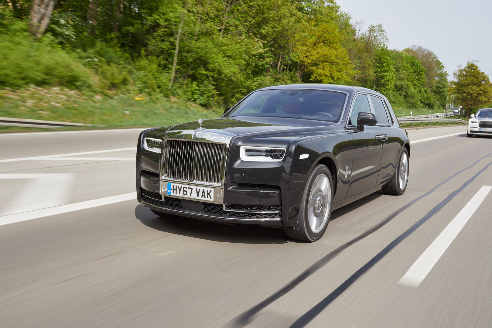 Rolls Royce Phantom Viii Review Gtspirit