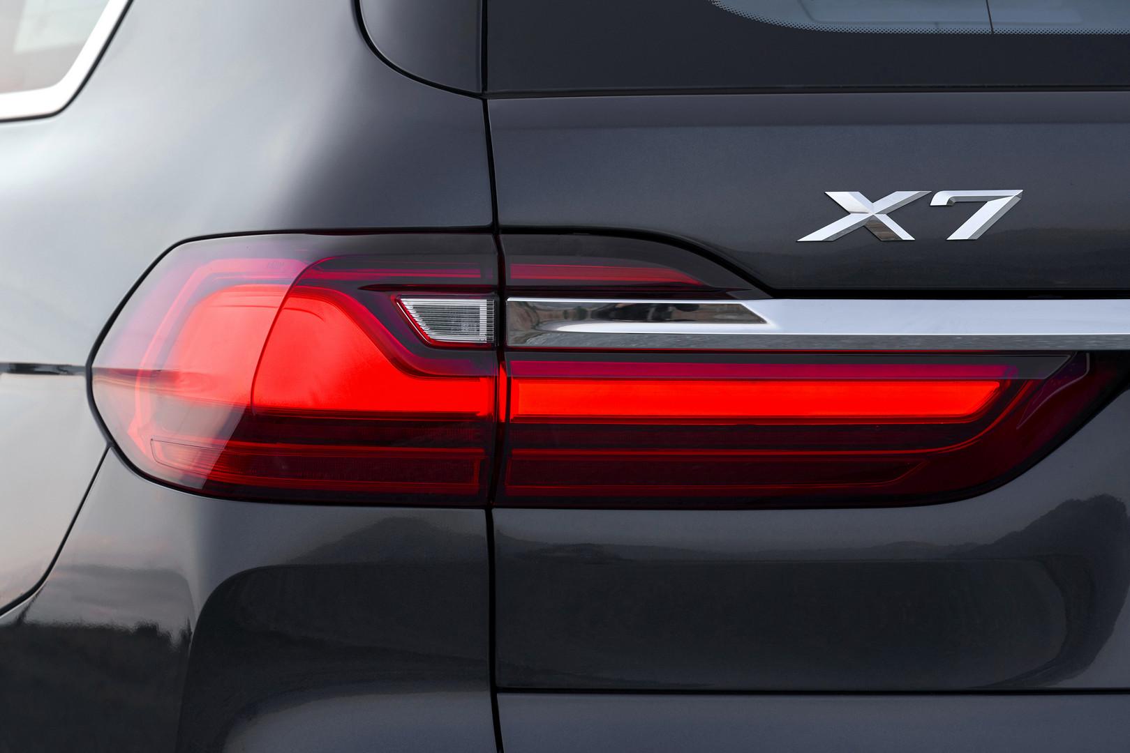 2019 BMW X7 Badge