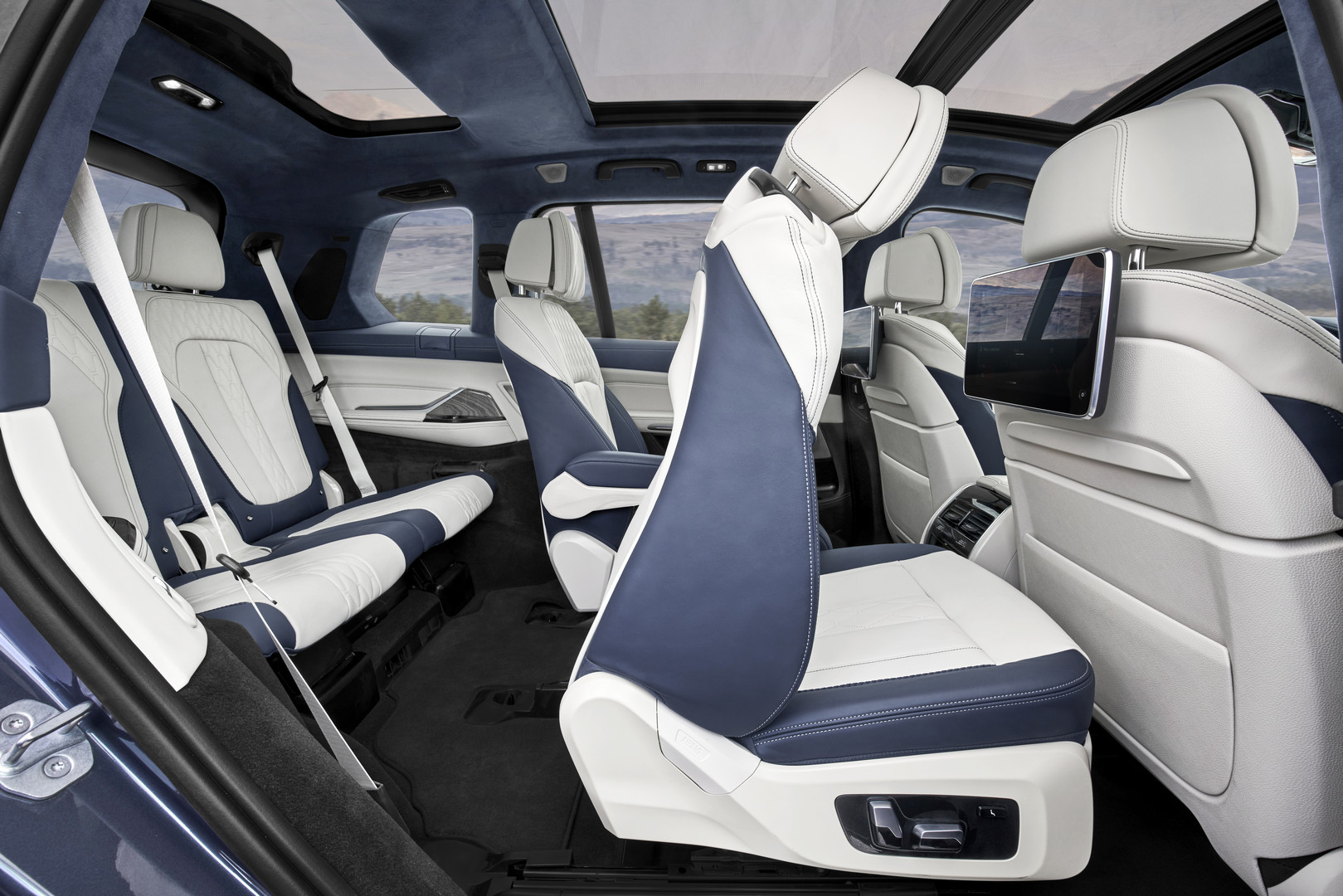 2019 BMW X7 Seats