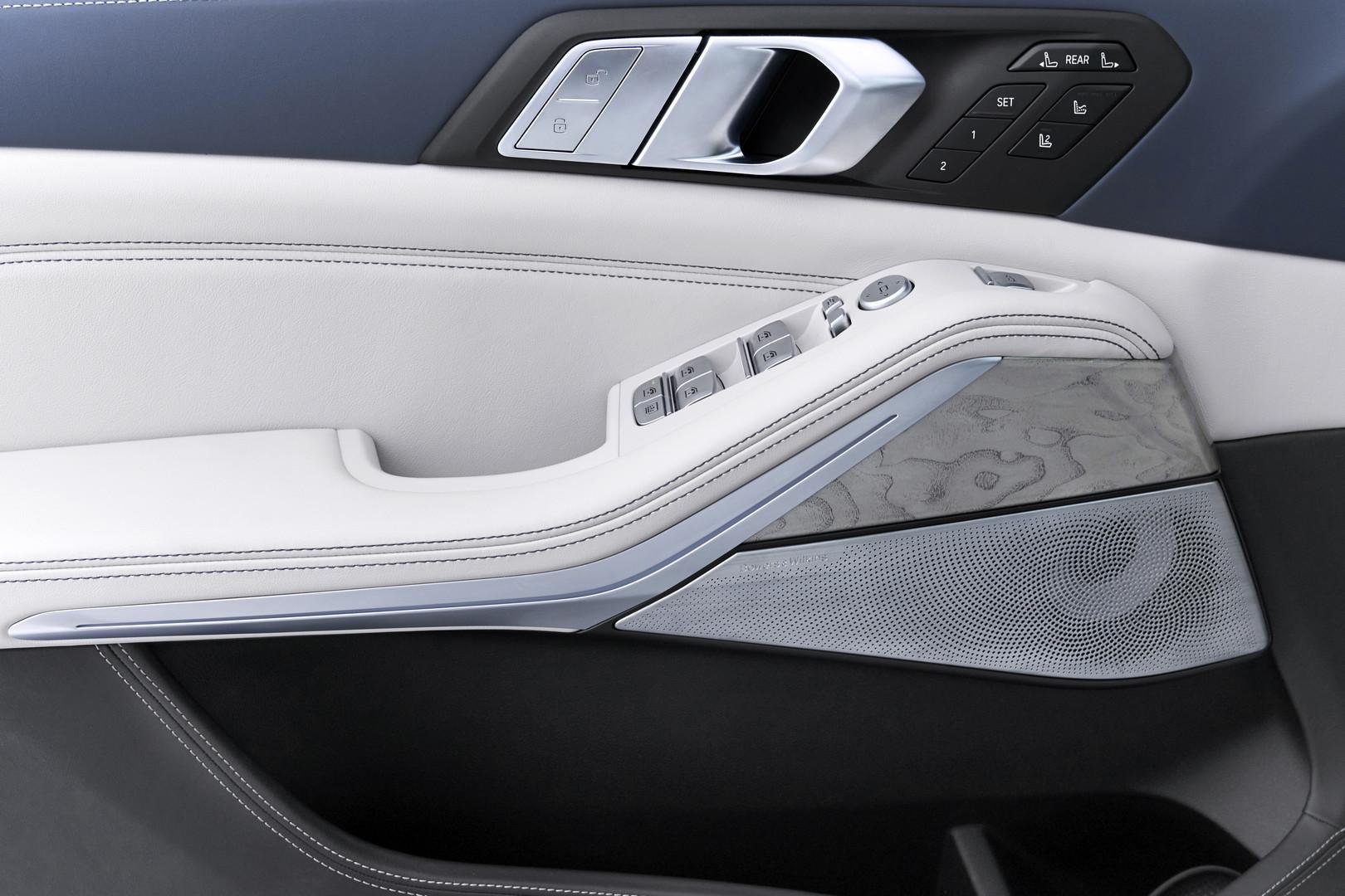 2019 BMW X7 Door Trim