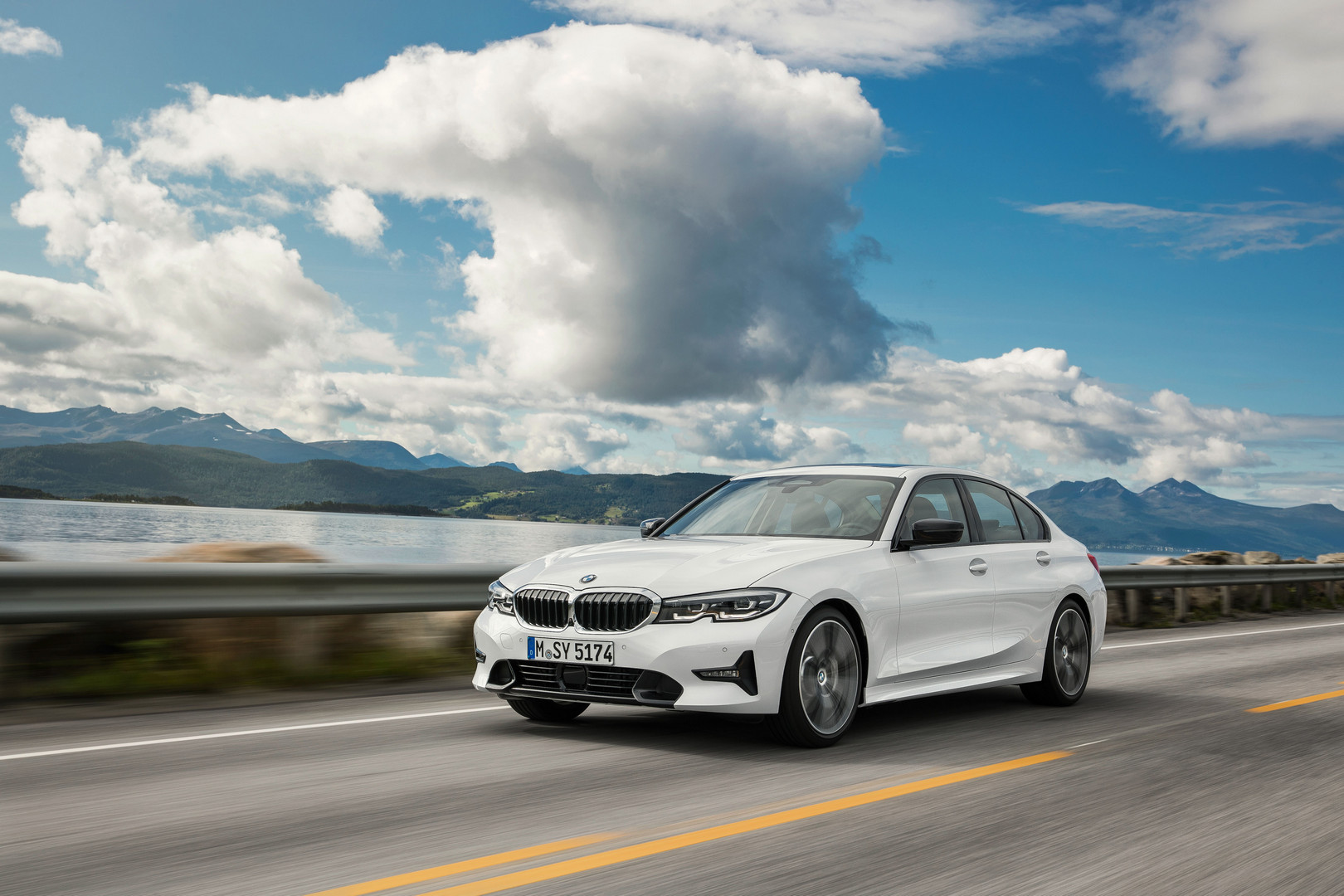 2019 BMW 3 Series G20 Exterior White