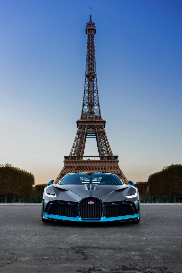 Bugatti Divo Eiffel Tower Paris
