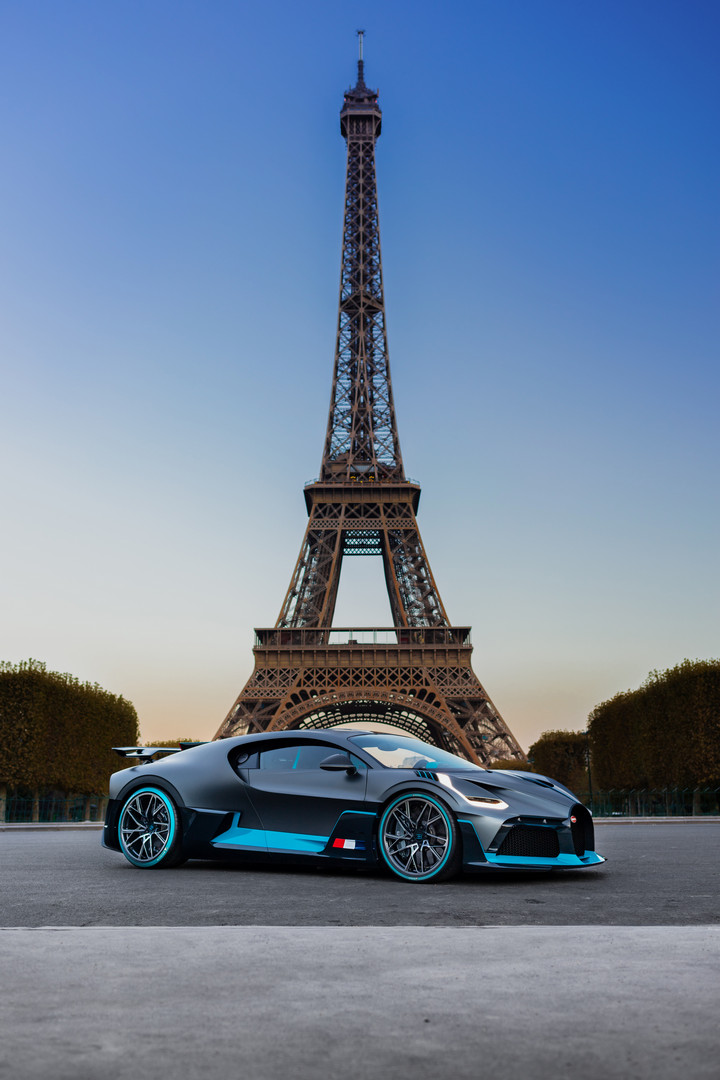 Bugatti Divo Eiffel Tower Paris