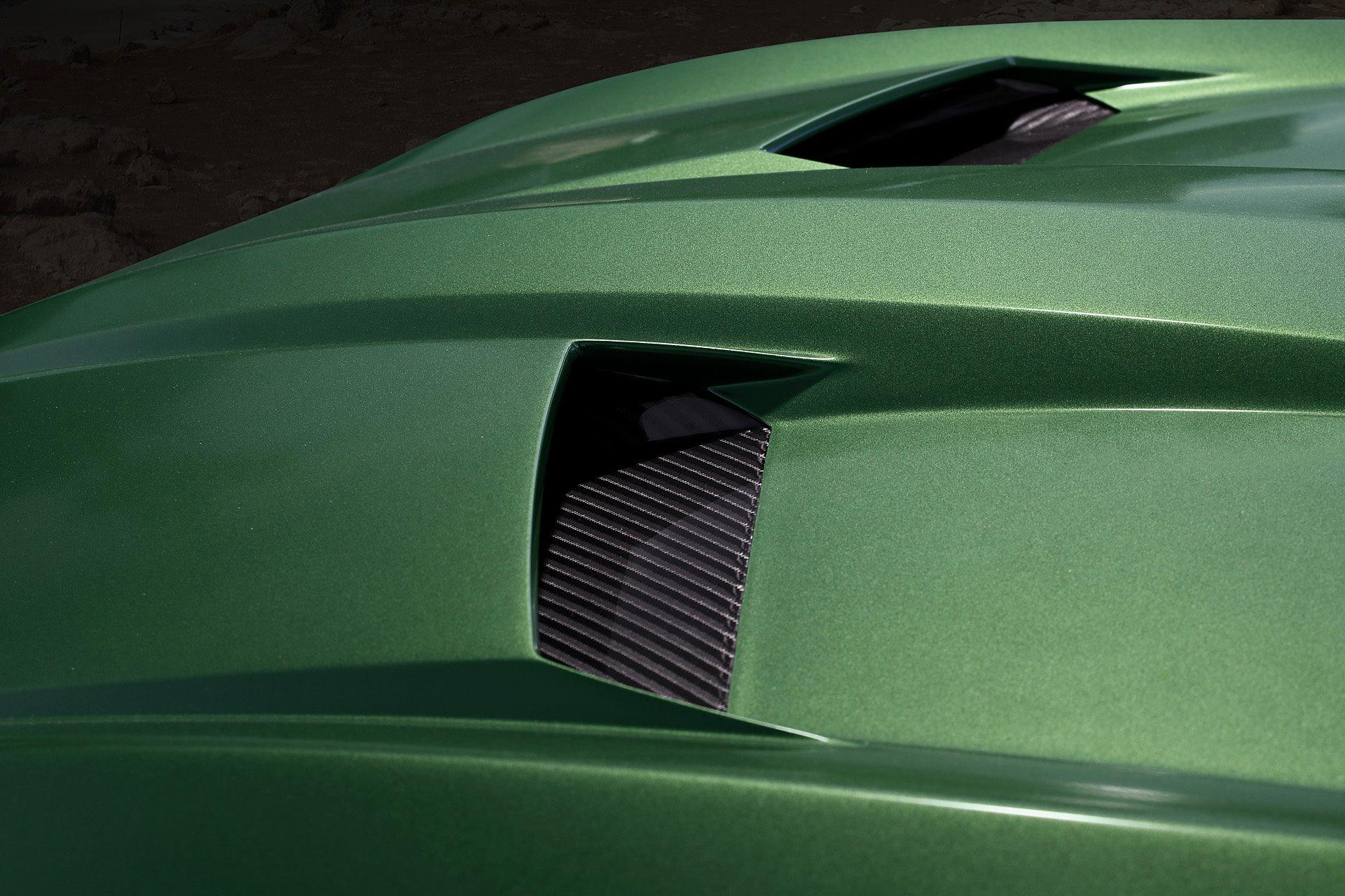 Military Green Lamborghini Urus Hood