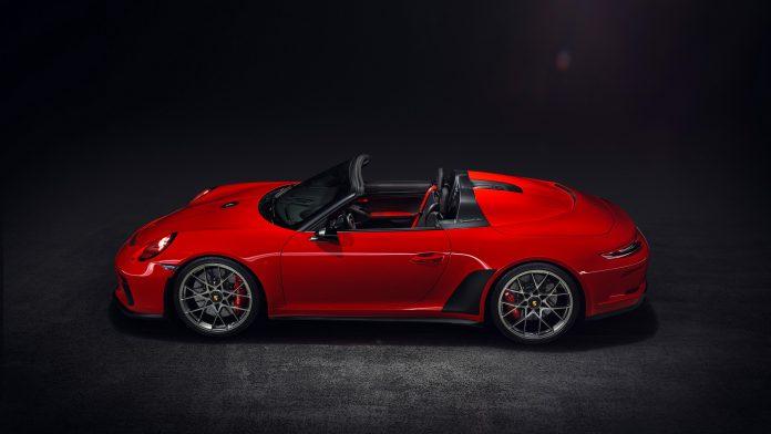 Porsche 991 Speedster Guards Side View