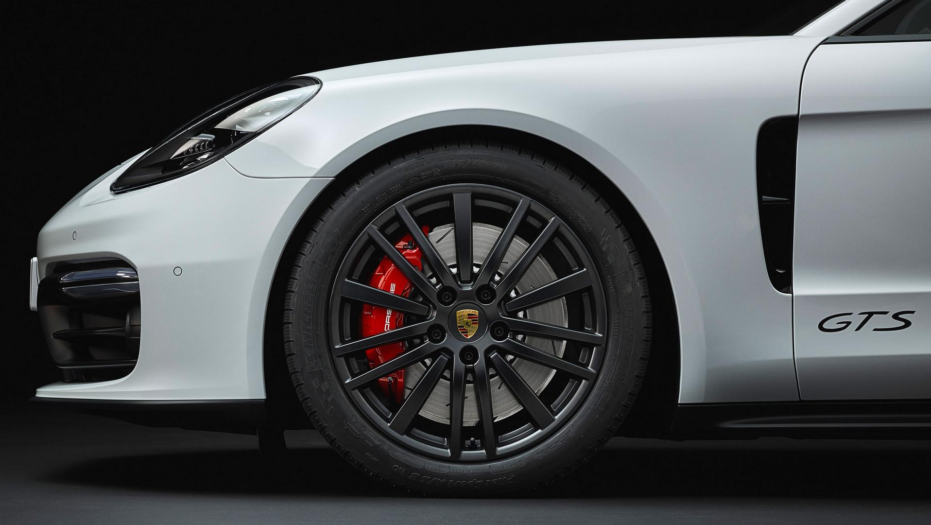 2019 Porsche Panamera GTS Wheel