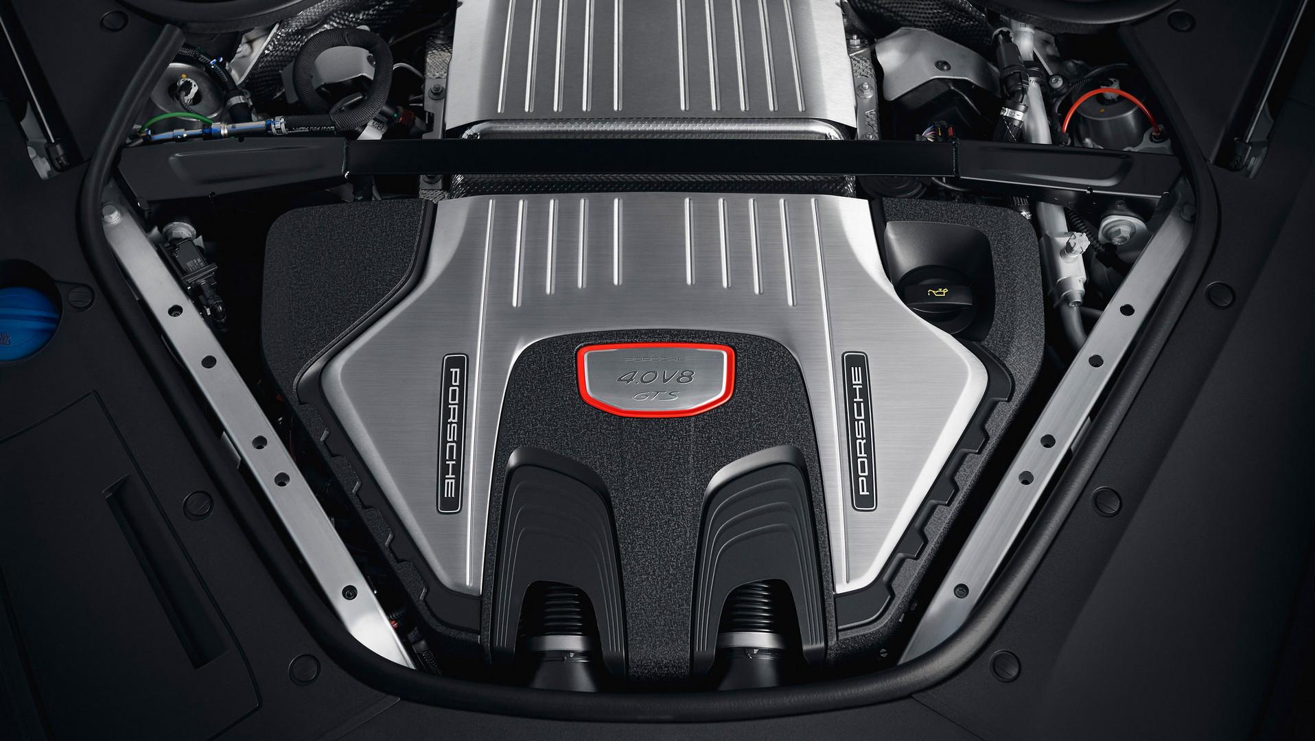 Porsche Panamera GTS Sport Turismo Engine