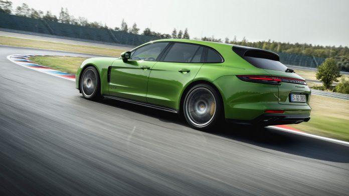 Green Porsche Panamera GTS Sport Turismo