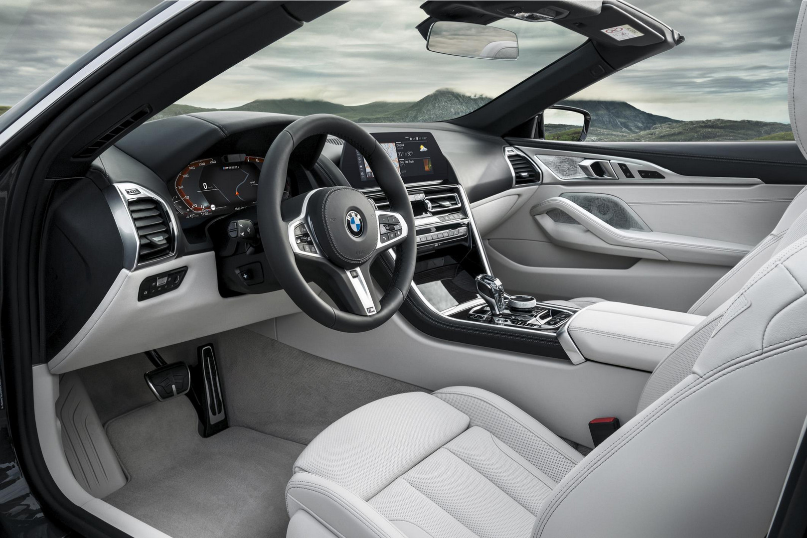 2019 BMW 8 Series Convertible Interior