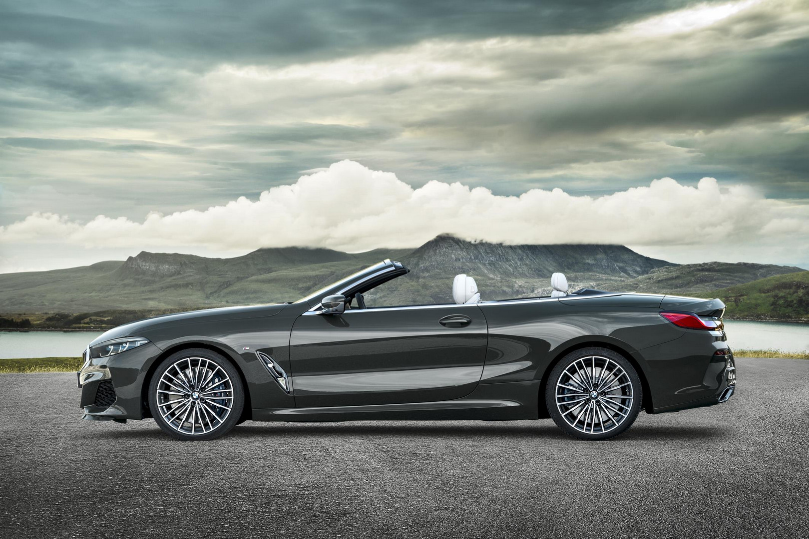 2019 BMW 8 Series Convertible Side View