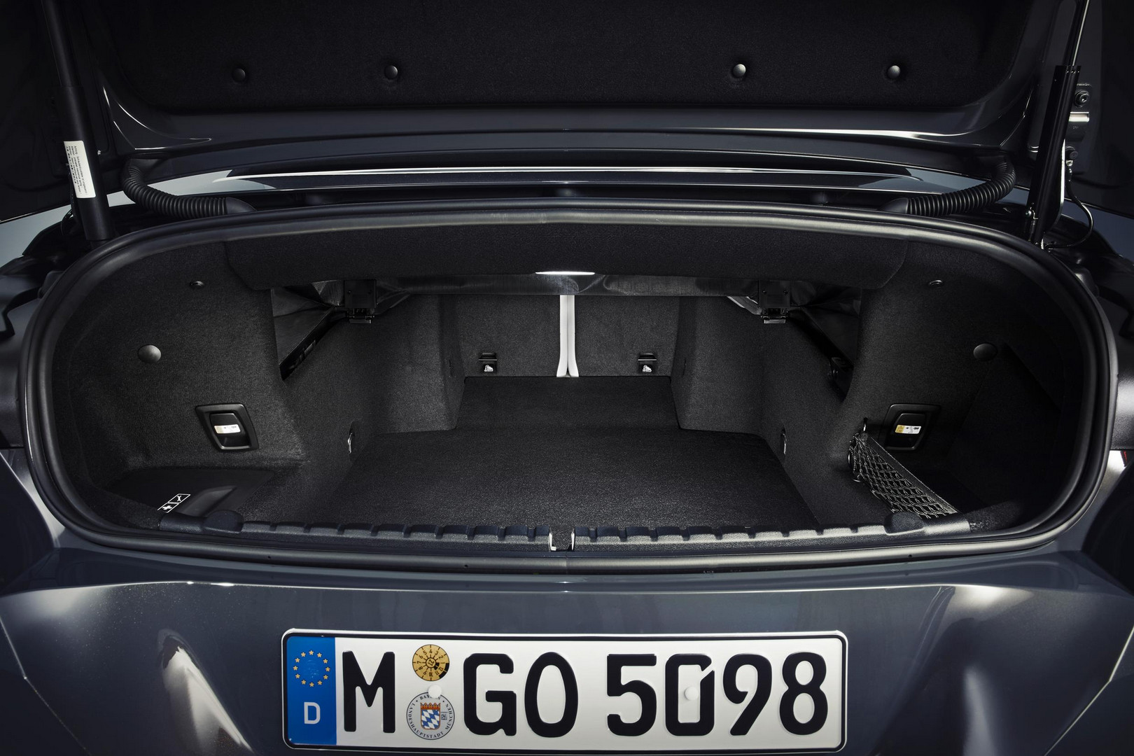 2019 BMW 8 Series Convertible Trunk
