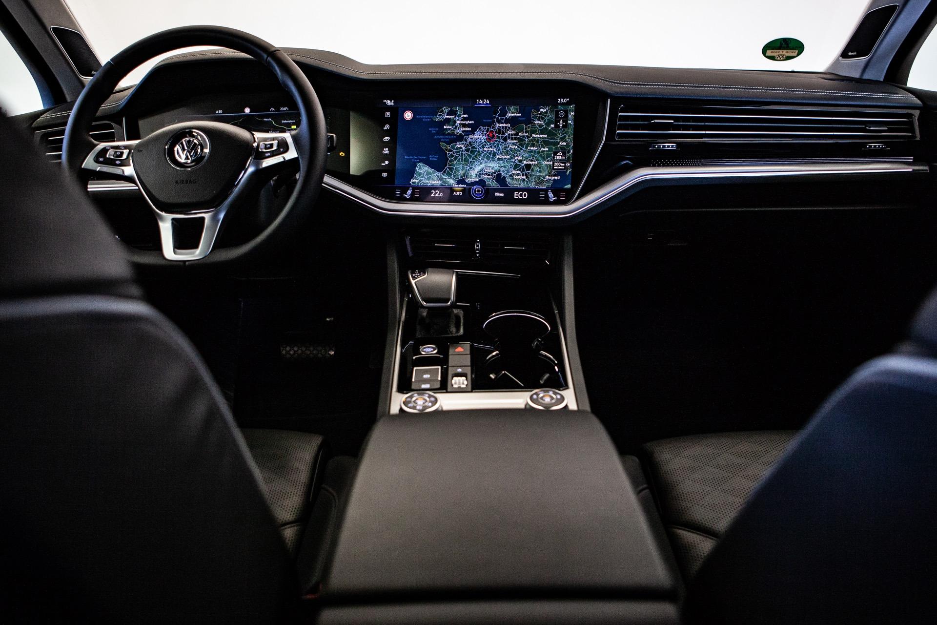 VW Touareg 2019 Interior