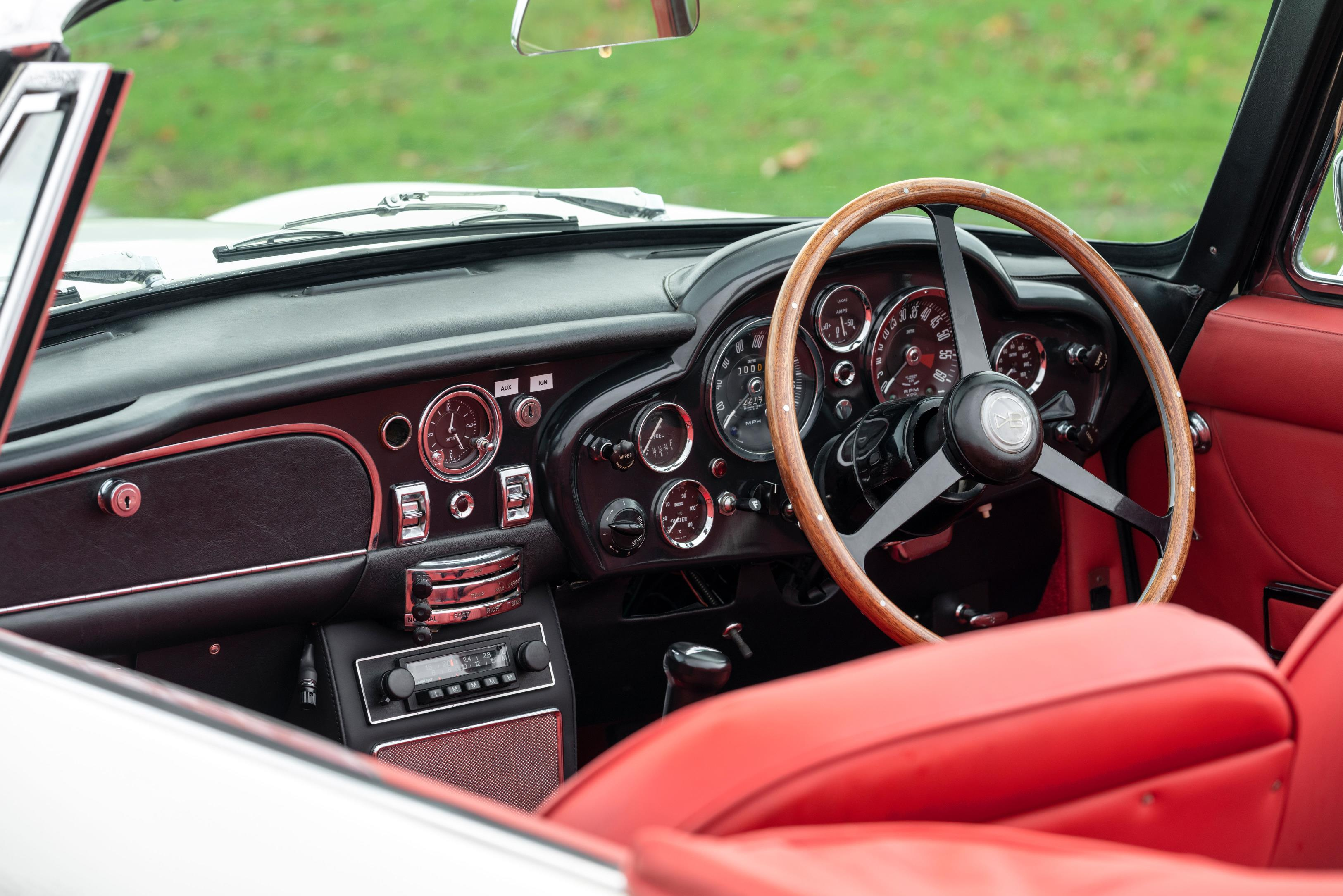 Aston Martin DB6 EV