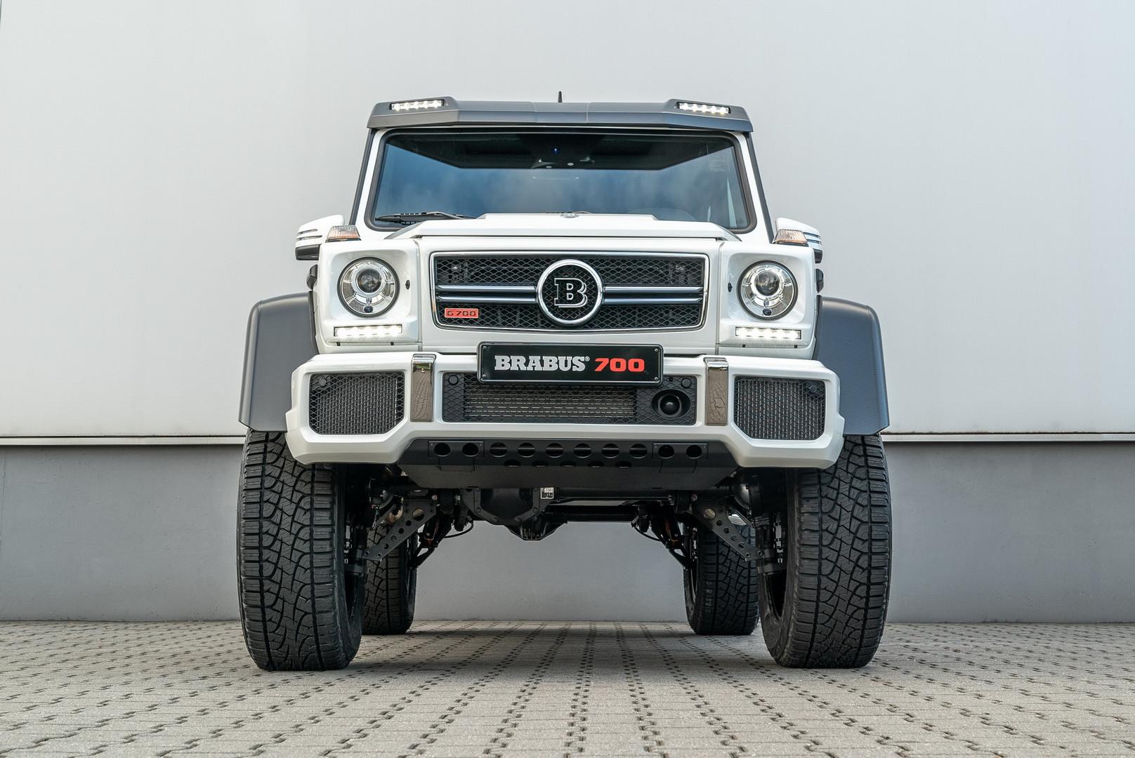 Brabus 700 4x4² Front