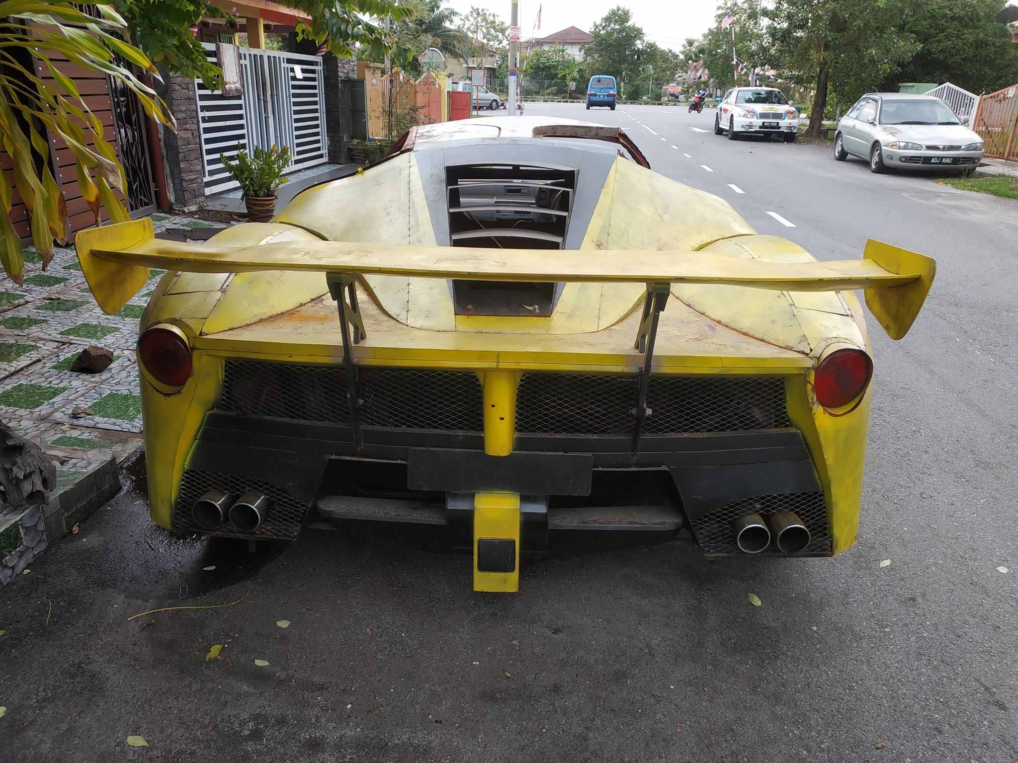 LaFerrari Replica