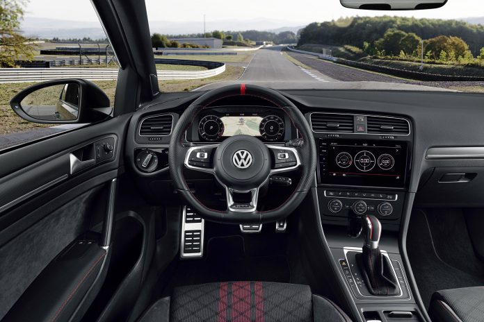 VW Golf GTI TCR