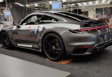 Porsche 992 Turbo Leak