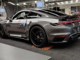 Porsche 992 Turbo Leak