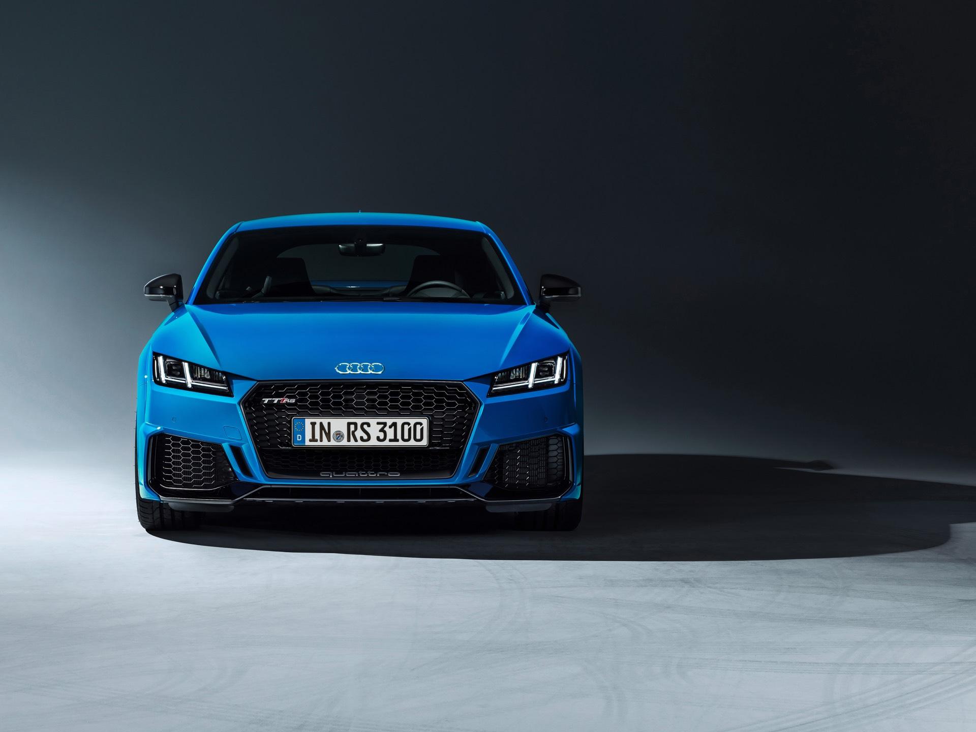 Audi Tt Rs >> Audi Tt Rs Coupe And Tt Rs Roadster Get Facelift Gtspirit