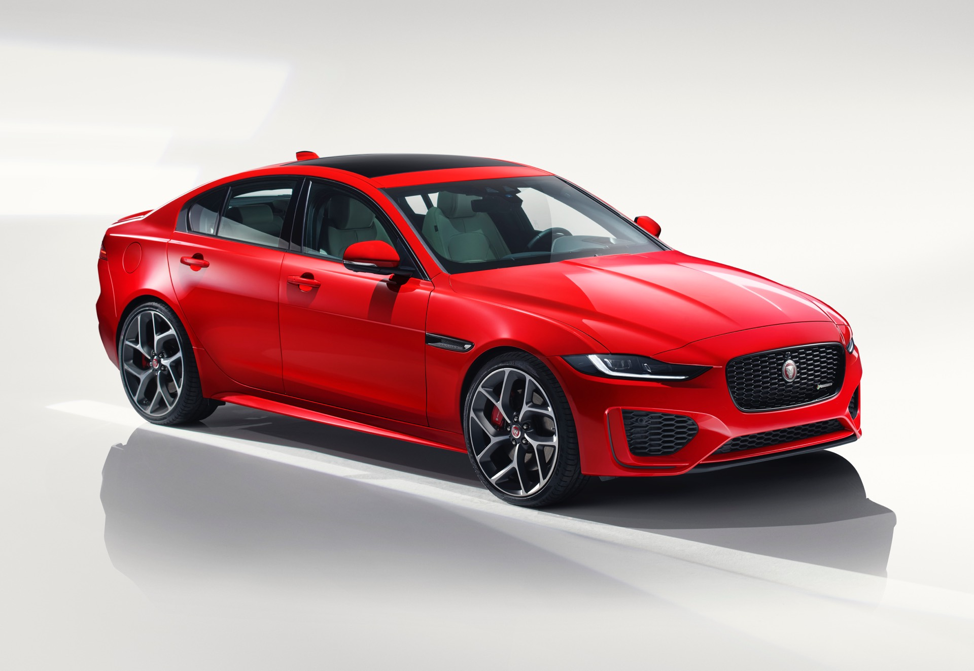 new jaguar xe released in london with updated interior. Black Bedroom Furniture Sets. Home Design Ideas