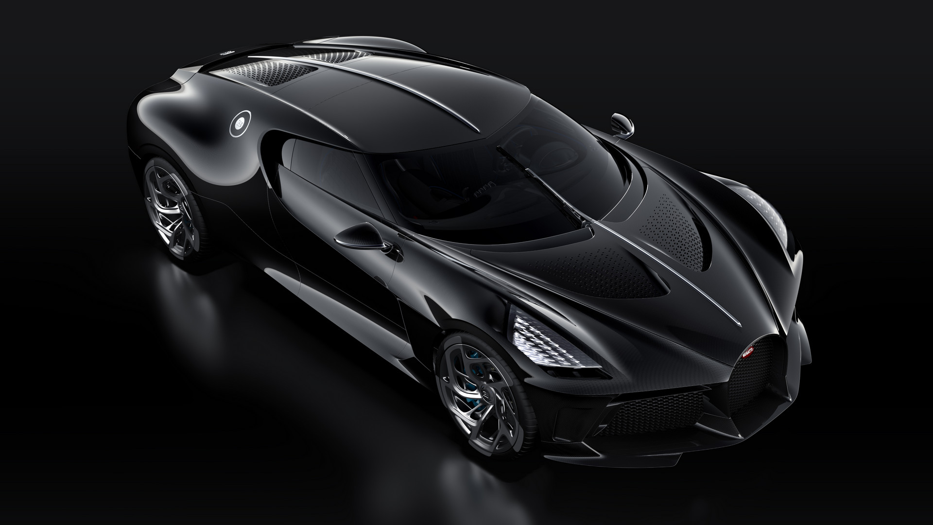 1 of 1 bugatti la voiture noire revealed with 11 000 000 price tag gtspirit. Black Bedroom Furniture Sets. Home Design Ideas