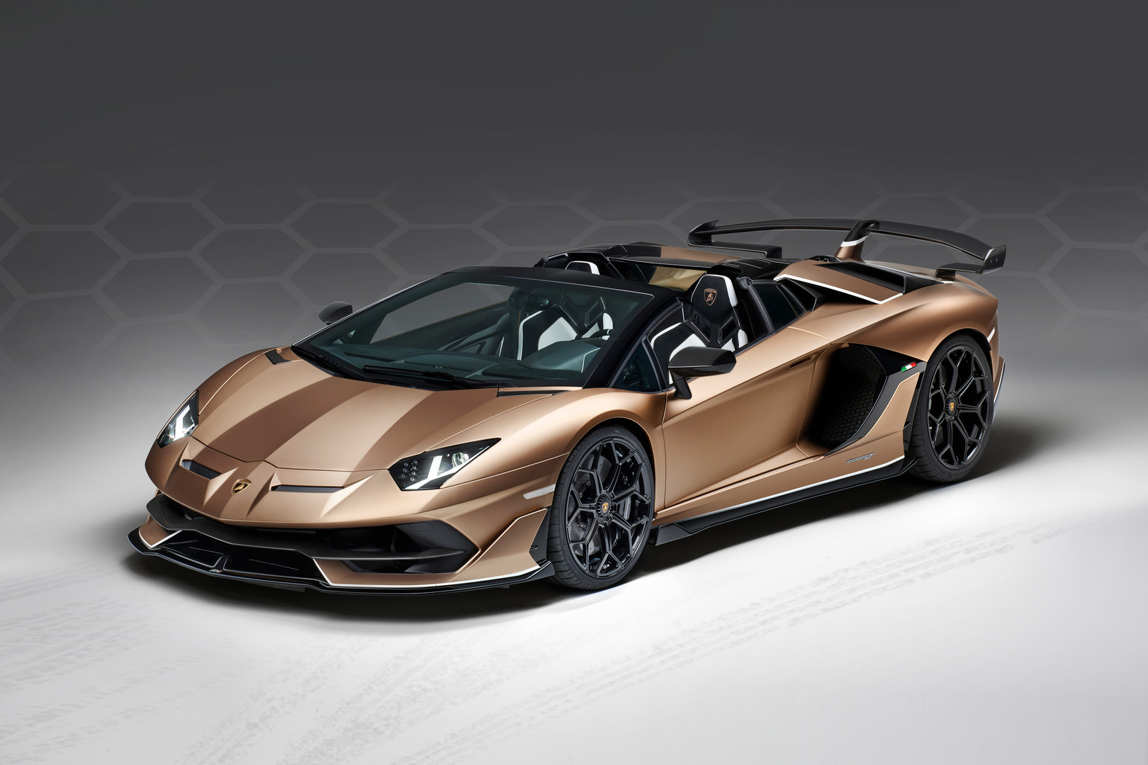 Lamborghini Aventador Svj Roadster Revealed 800 Units Only Gtspirit