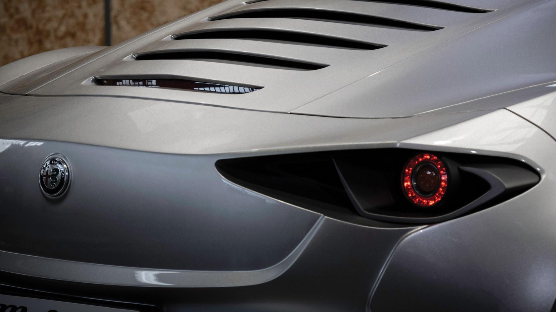 Alfa Romeo 4C Mole Costruzione Artigianale 001