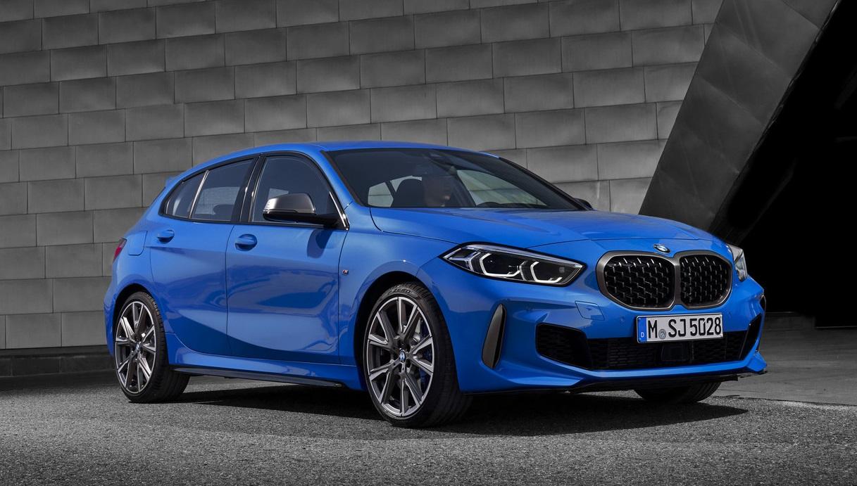 2020 BMW M135i Front Quarter