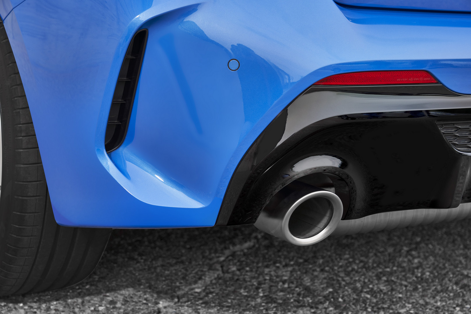 2020 BMW M135i Exhaust Pipes