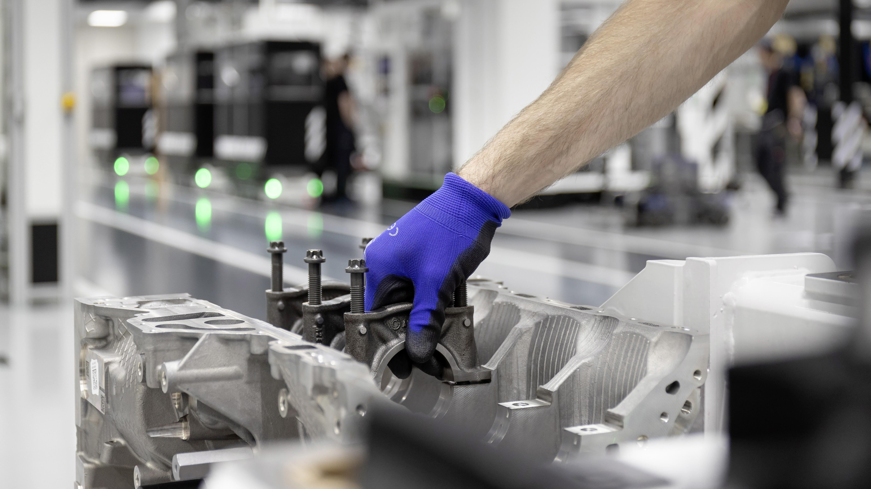 Mercedes-AMG A45 Engine