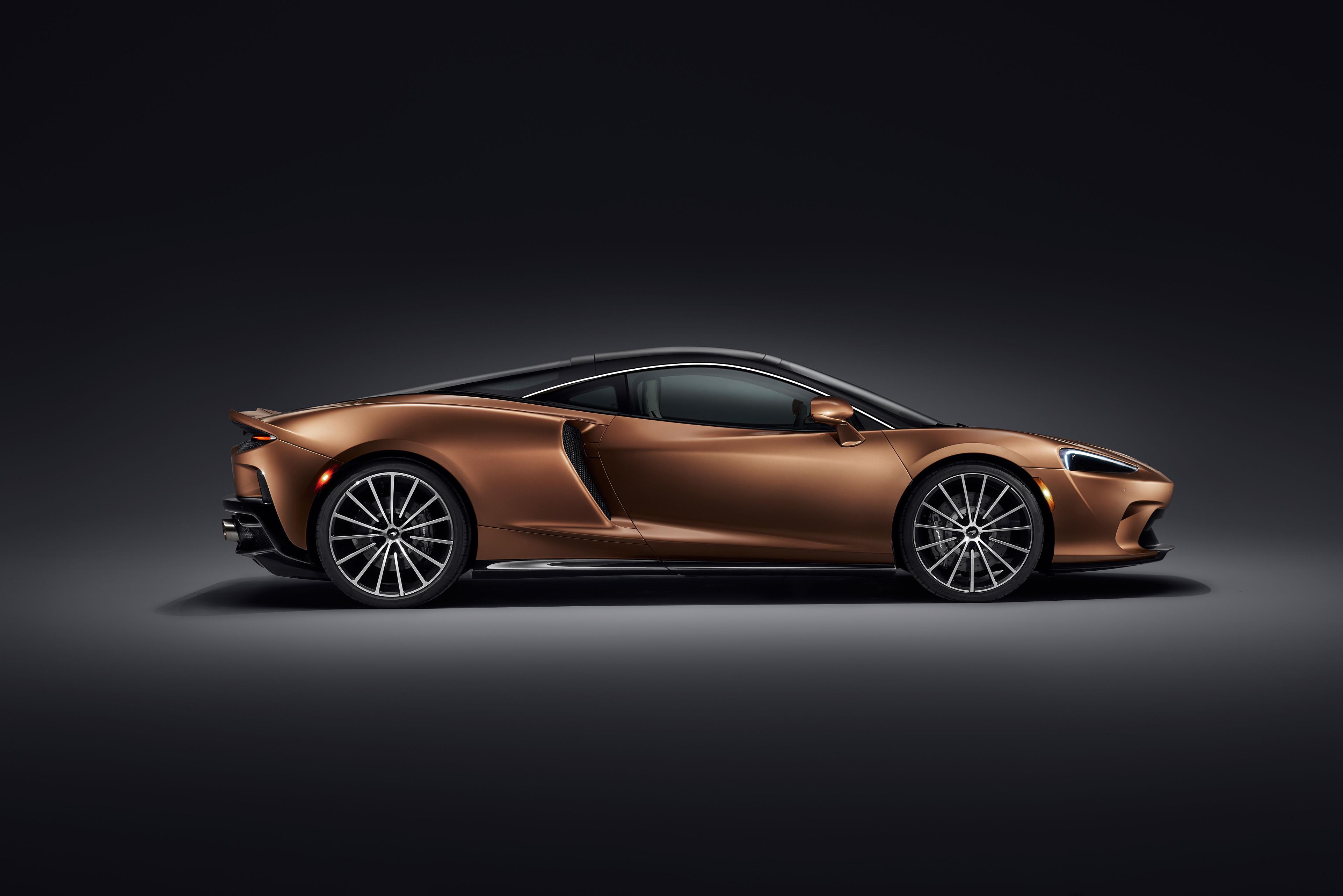 McLaren GT Side View