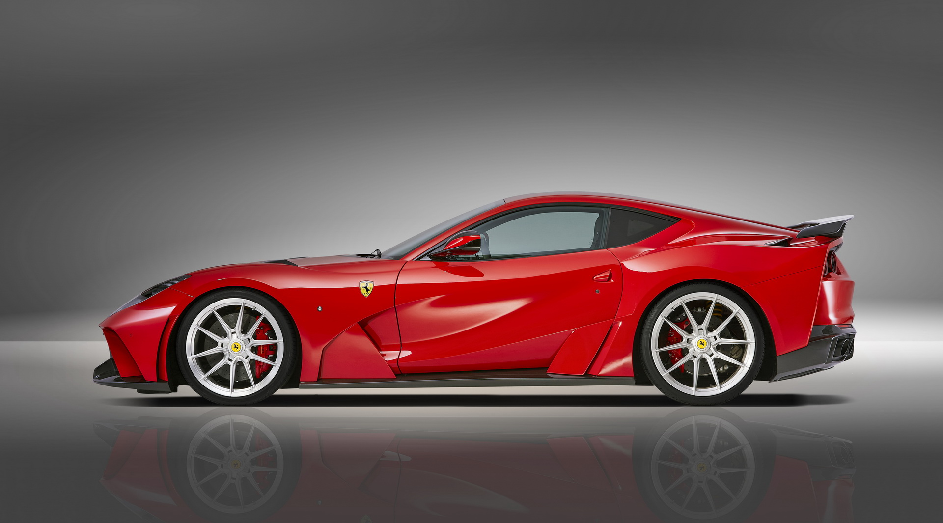 Ferrari 812 Superfast Side View