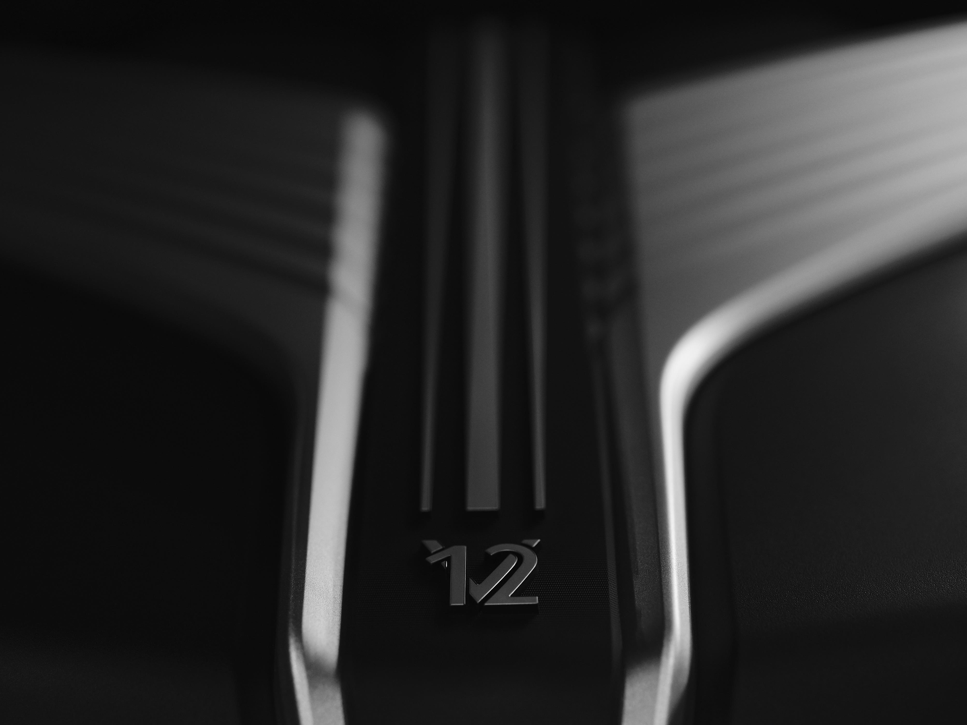 Rolls-Royce V12 Logo