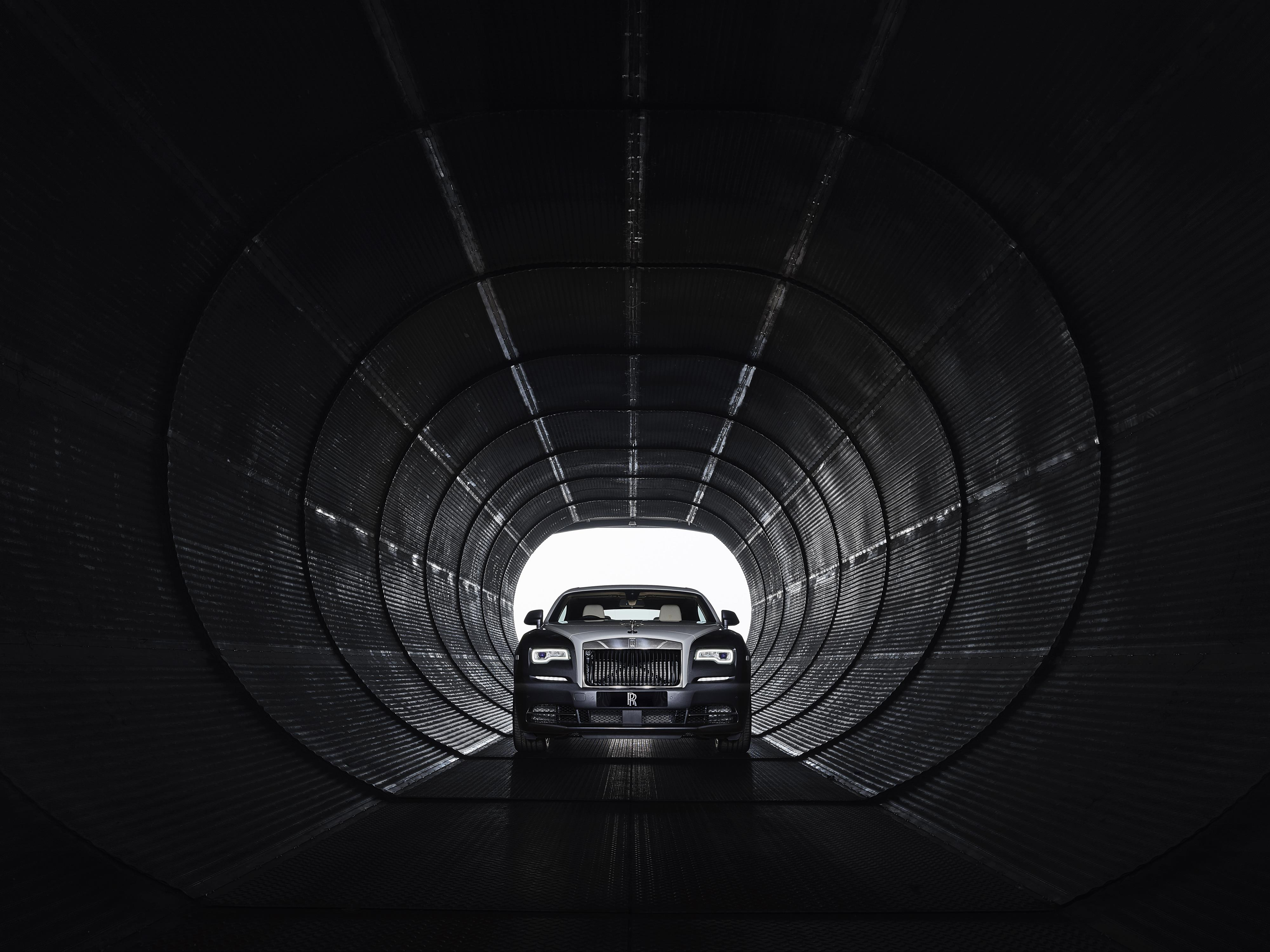 Rolls-Royce Wraith in Tunnel