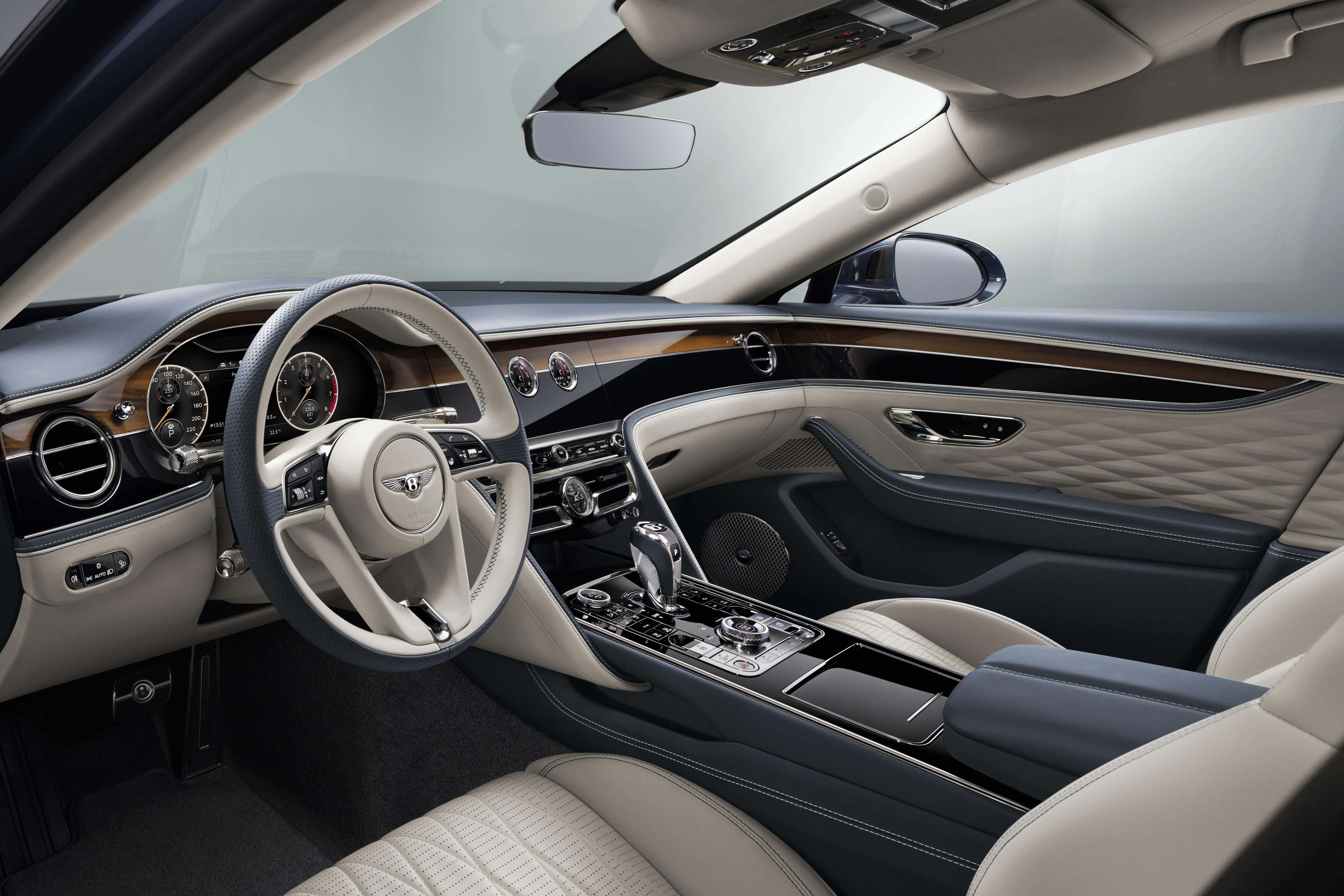 Bentley Flying Spur steering wheel