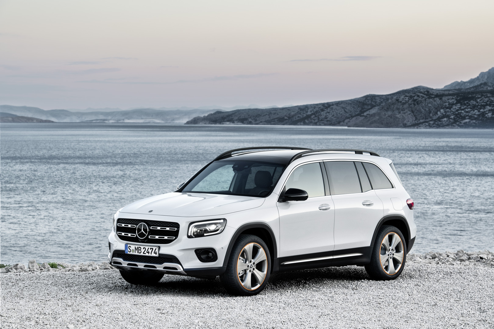 Digital White 2020 Mercedes-Benz GLB SUV