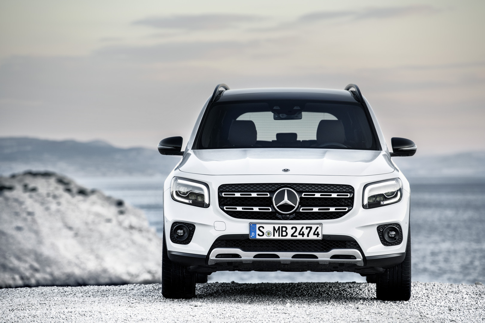 Mercedes-Benz GLB Front View