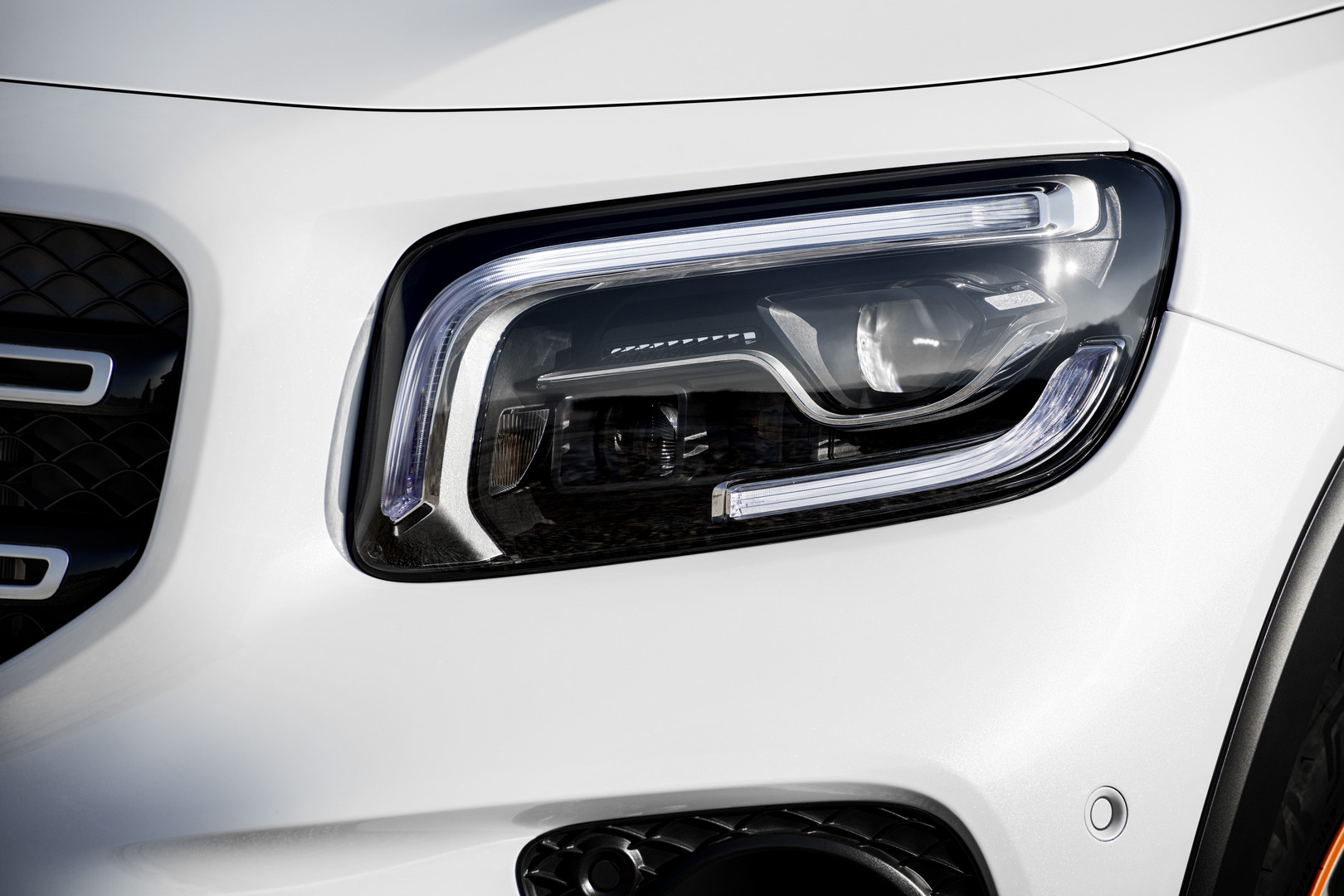 Mercedes-Benz GLB Headlights